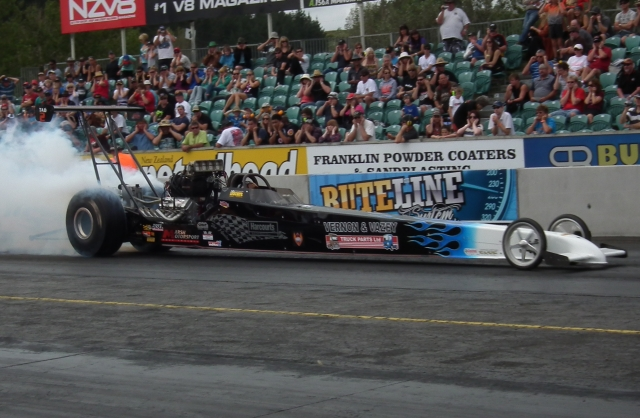 Chris Johnston qualified the Vernon & Vazey sponsored Harcourts Hauler dragster in second position in the Arnotts Roadies Top Alcohol bracket, with a 5.673 at 248.52 mph.